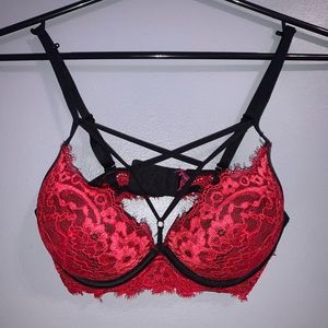 La Senza padded bra with strings on the cleavage